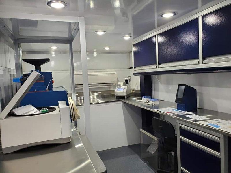 MobileLab - interior